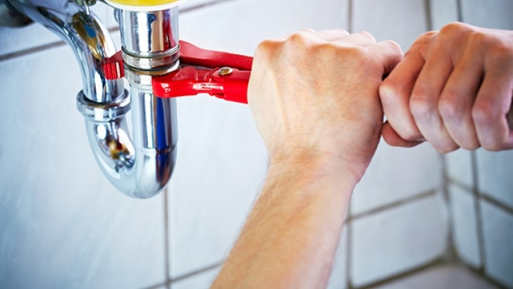 Key Signs That You Need the Best Plumber Service in Singapore